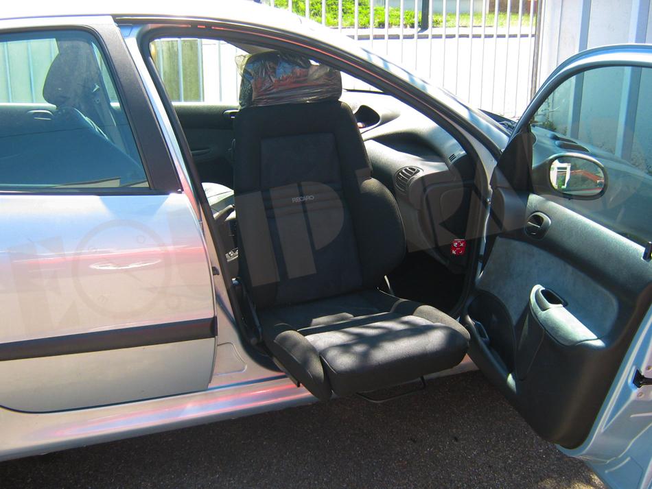 Equipements pour personnes mobilit r duite tous les - Garage pour amenagement voiture handicape ...