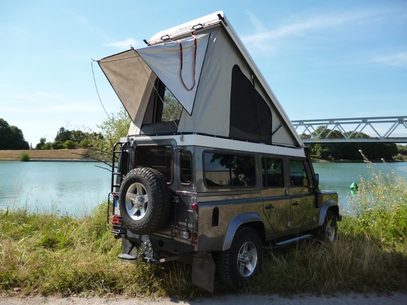 land rover defender specifications with Land Rover Defender 110 Toit Relevable Icarus on Shogun  mercial 2007 moreover Photo Feature Land Rover Defender Challenge Borders Hill Rally 2015 in addition  moreover Suv Review 2018 Range Rover Velar moreover Sale.