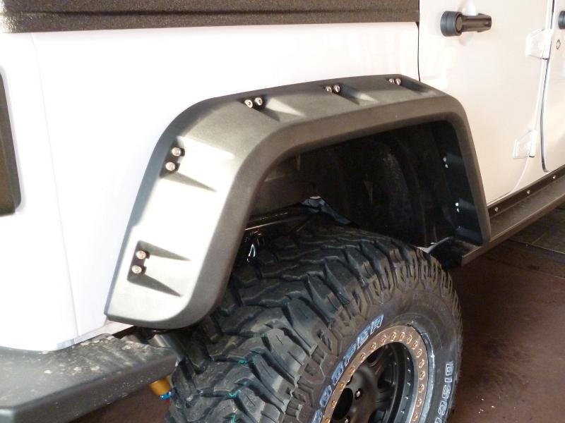 jeep jk 4 unlimited sport tous les accessoires et les quipements pour votre 4x4 sont chez. Black Bedroom Furniture Sets. Home Design Ideas