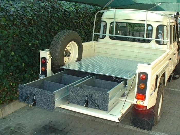 achetez african outback amenagement interieur pour land rover defender 130 simple au meilleur. Black Bedroom Furniture Sets. Home Design Ideas