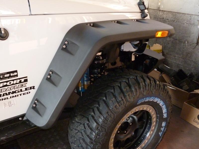 achetez rugged ridge elargisseurs d 39 ailes pour jeep wrangler jk au meilleur prix chez equip 39 raid. Black Bedroom Furniture Sets. Home Design Ideas
