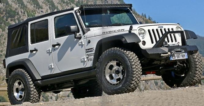 achetez t max pare choc avant t max pour jeep wrangler jk au meilleur prix chez equip 39 raid. Black Bedroom Furniture Sets. Home Design Ideas