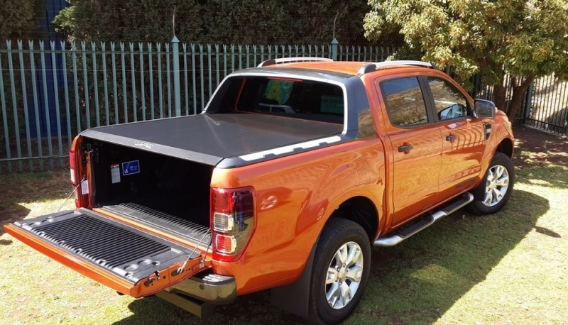 achetez rigidek tonneau cover rigidek double cabine ford ranger wildtrack au meilleur prix. Black Bedroom Furniture Sets. Home Design Ideas